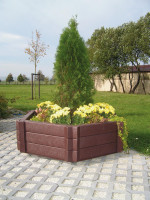 Raised Hexangonal Plastic Planter Bed